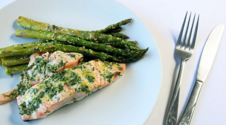 Garlic Salmon and Asparagus